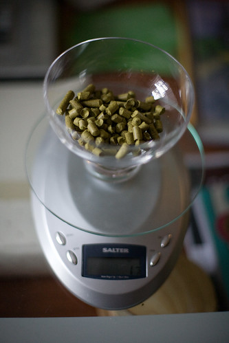1.5 oz of williamette hops
