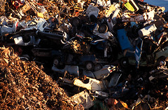 DT_TRSH.010 (photonogrady) Tags: auto car metal trash automobile iron hill voiture pile cutting waste tas recycling scrap colline fer recyclage ferraille dechet filings copeau limaille