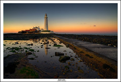 NIGHT LIGHT (Steve Boote..) Tags: sunset sea lighthouse seascape night reflections island bay coast dusk east northumbria coastline causeway stmarys blending tynewear whitley norh sigma1770 leefilters samsunggx20 artinoneshot