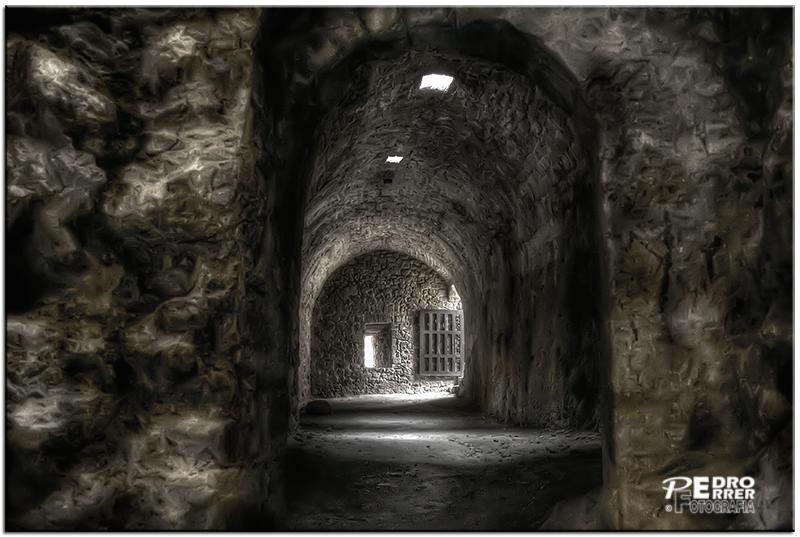 Interior Castillo de los Rojas - Poza de la Sal - Burgos