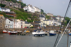 Looe harbour (Dynamicus) Tags: boats cornwall view harbour looe
