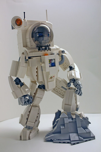 LEGO Mech Retro Spacesuit