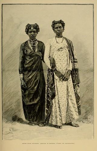 012-Jovenes mujeres Antankara-Madagascar finales siglo XIX
