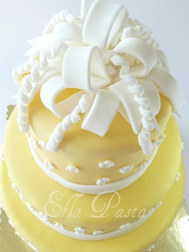 yellow wedding cake 1