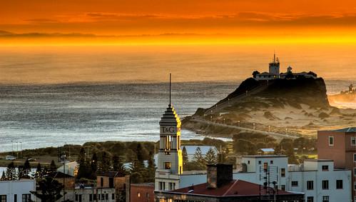 Newcastle, Nobbys lighthouse sunrise