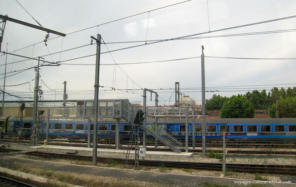 Train Téoz en gare de Marseille