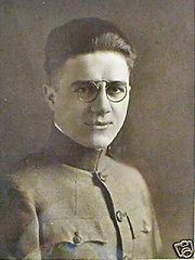 USA soldier 1917 zyl rim hoopspring pince-nez (pince_nez2008) Tags: soldier army nose glasses wwi soldiers eyeglasses eyewear pincenez noseclip