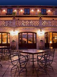 Terraza del restaurante de noche