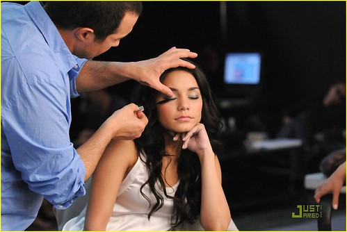 vanessa-hudgens-neutrogena-shoot-08