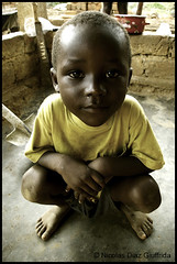 Juniol, N'Kayi Congo (Nicolas Diaz G) Tags: africa portrait face gesicht republic child retrato cara republik portrt kind nicolas af