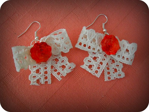 Lace bow earrings