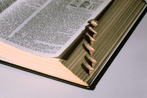 Side of tabbed dictionary