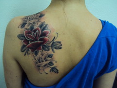 cover-up Rosa (bobqueiroztattoos) Tags: santa roses brazil flores floral phoenix birds rose brasil tattoo ink skull kat miami maria indian jesus flor von mother rosa super mario best sugar holy mexican needle sp fina fenix crown paulo rosas ramo so caveira mexicano tatto ramos rococo madona melhor virgem tattooing tatuagem chicano linha fino queiroz religioso dbob trao arabesco arabescos pontilhismo gellys fuckyeahtattoos