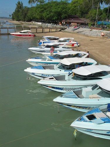 Ao Chalong speedboats