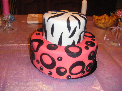 animal print cakes. zebra print and rhinestones