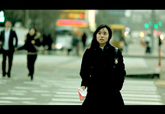 Crossroad (James Yeung) Tags: city girl movie pretty expression candid korea korean seoul streetphoto crossroad cinematic moviestill   ef135mmf2l  aplusphoto canon5dmarkii lifeinsevenpages