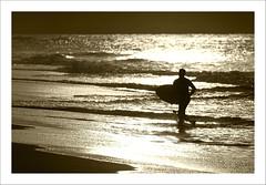 :-) (troky) Tags: contraluz atardecer mar surf playa silueta cantabria liencres cruzadas ltytr1