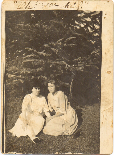 Auline (right)