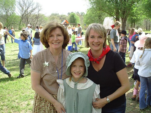 Karon Fitzgerald, Sarah and Shelly Fryer by Wesley Fryer, on Flickr