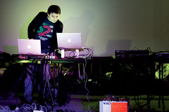 IMG_0142 (in9varr) Tags: powerbook macintosh live laptops soundcheck abracadabra  macbook  ugolratmanova abralive lastfm:event=1183094