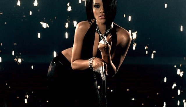 Rihanna - Umbrella by musicxcharts