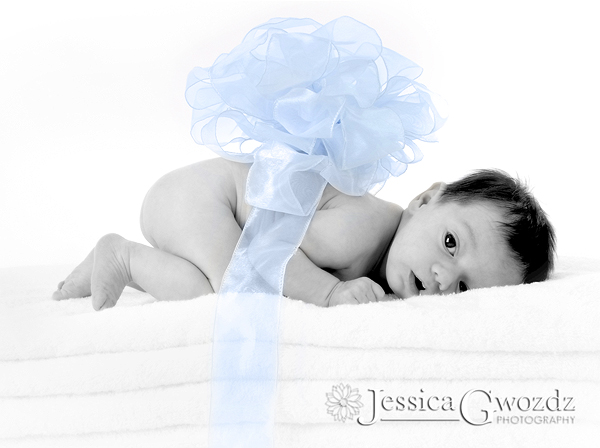 Newborn with Bow