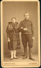 Couple in costume from Altenburg, Thringen, Germany (fleurdecoucou) Tags: thringen cdv altenburg tracht folkdress sorbisch altenburgerland volkstrachten arnokersten nafndgermany