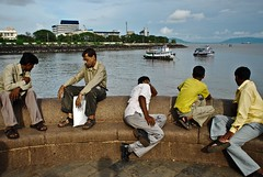 (lecercle) Tags: life sea people india men looking bombay gateway arabian mumbai meloncholy