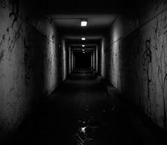Undergrund 10 (Setekh81) Tags: grafiti tunnel architektur schwarzweis flickrchallengegroup flickrchallengewinner