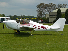 G-CEIW (QSY on-route) Tags: kemble egbp gvfwe greatvintageflyingweekend 09052010 gceiw