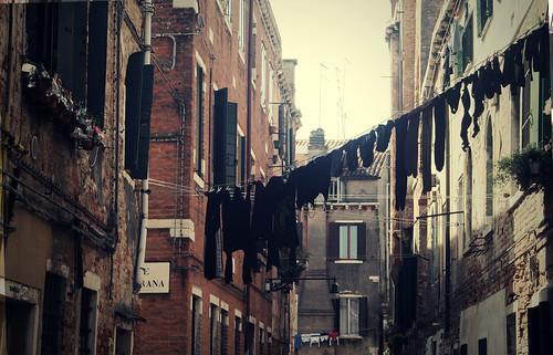 Venecia by Una Dola Tela Catola
