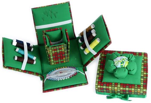 Caixa de Costura de Madeira MDF revestida de Tecido - Aberta by PARANOARTE