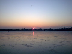 nu echt zonsondergang (Tj.Erk) Tags: holland frozen skating ijsselmeer