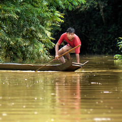 Lao rural life along the Nam Khan river (Bn) Tags: portrait fisherman topf50 natur laos luangprabang waterbuffalo greenlandscape 50faves flus unspoilednature thenamkhanriver ourwaytotadsaewaterfall childrenplayingalongtheriver fishingonthenamkhanriver immensejungle exploringunspoilednature herrimohot glidingsmoothlyonthenamkhanriver bansouandara hmongandlaoloompeople khamupeople fishermeninlongtailboatscastingtheirnets tadsaewaterfalls rurallaolife