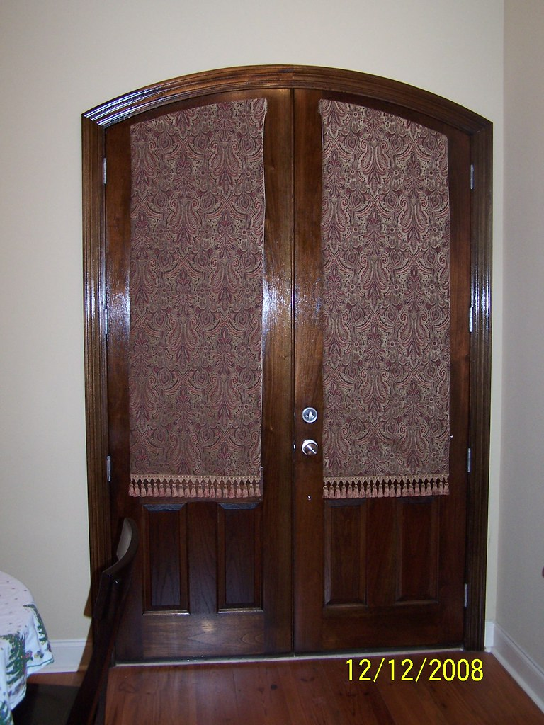 Roman Shades on curved door Closed
