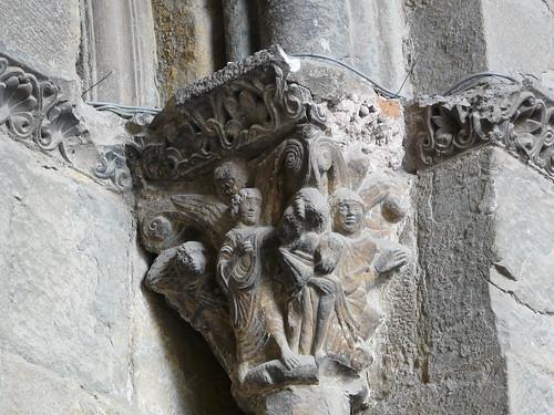 Capitel puerta principal (3)