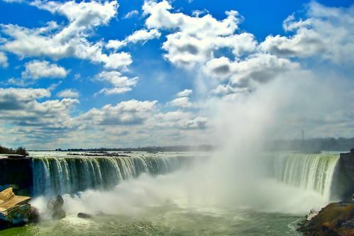 Les chutes du Niagara, Niagara Falls, Le « fer à cheval » (Horseshoe Falls) ou chutes canadiennes, Ontario, Canada 2009