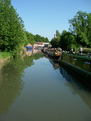 IMGP3297 (metafeather) Tags: boat canal tring 2009