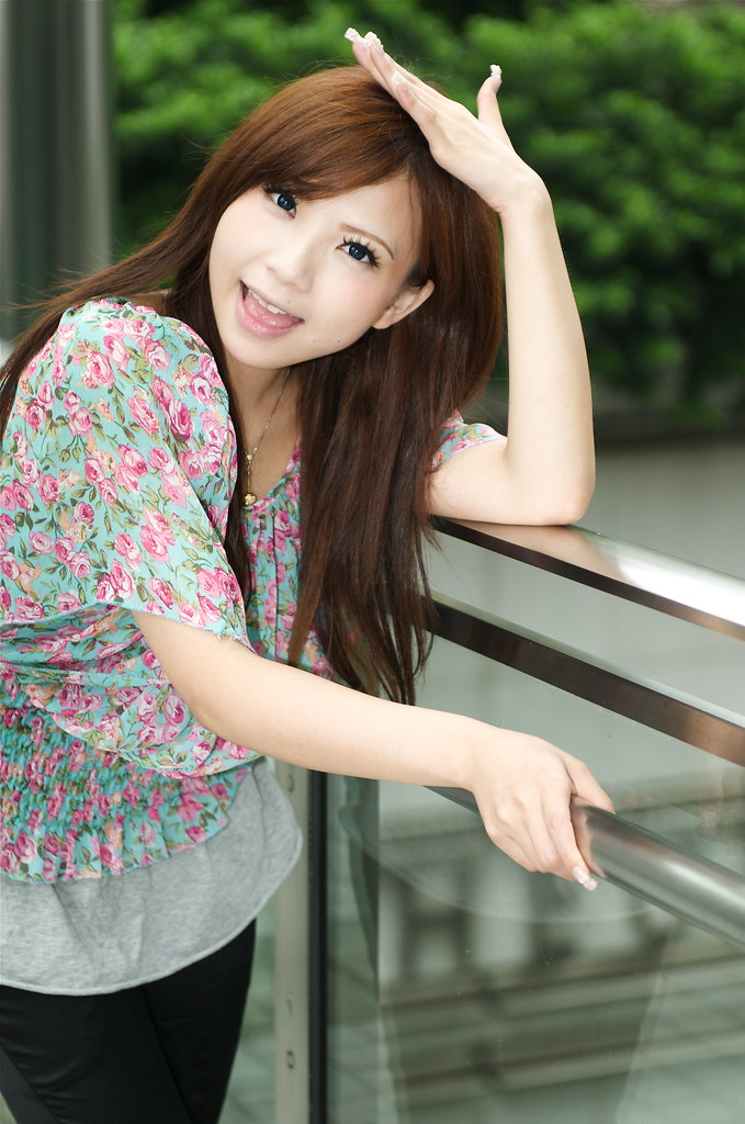 dating cantonese girl Cantonese names chinese, strictly speaking, does not have any basic vowel sounds the tone range is too wide to define it is not like the ones of mandarin.