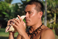 Conch Shell Blower (sfPhotocraft) Tags: hawaii oahu blow luau hawaiian 2009 paradisecove conchshell