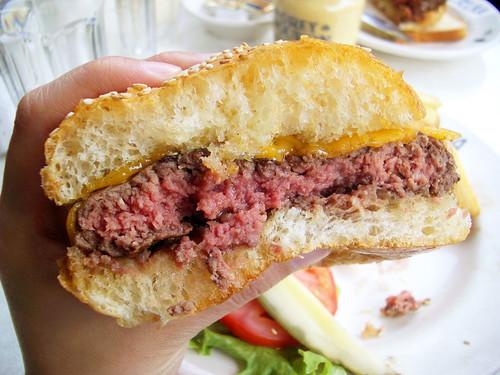 cheeseburger innards @ veselka