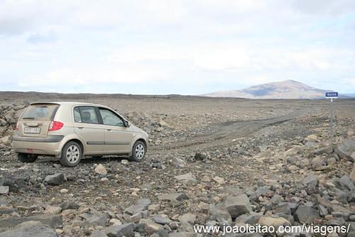 Estrada em Pista off-road em Pingvellir Norte de Husafel na Islândia
