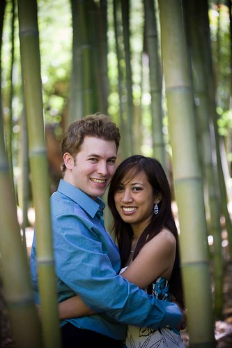 engagement session at Hakone Gardens