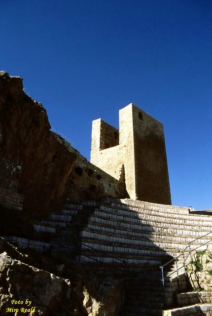 torre e teatro ( pollina )