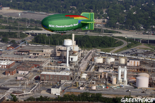 Greenpeace A.E. Bates airship flies over Dupont's Deepwater, NJ plant