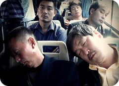 . 3 / 2 (Castillo Rocas) Tags: china sleeping bus nap sleep beijing siesta   awake asleep staring 32 dormido camin miradas pekin dormidos  chinesedream  despiertos sleepingchinese robertocastillo chinadormida castillorocas
