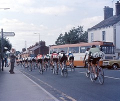 The Milk Race (Kingsdude/Dave) Tags: orange bus bike race cyclists cheshire cycle 1970s 394 a6 cycles gmt horsehoe highlane marpleridge milkrace windlehurstroad