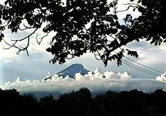 *Tansania,  Arusha - Mount Meru (roba66) Tags: africa travel mountain berg landscape tanzania kenya safari afrika landschaft kenia arusha tansania mountmeru kartpostal flickrestrellas tansaniakenia absolutelyperrrfect