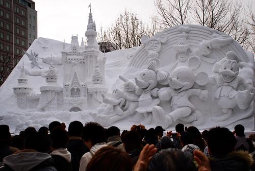 Las enormes construcciones de nieve de Odori Park. Sapporo (3)