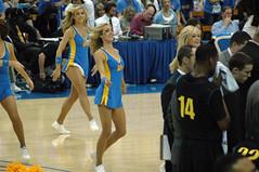 DSC_2945 (bruin805) Tags: basketball cheerleaders ucla bruins oregonducks danceteam pauleypavilion spiritsquad